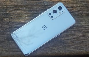 Samsung LTPO Full-HD+ OLED Display With 120Hz Variable Refresh Rate Suggests OnePlus 9T Specifications Leak